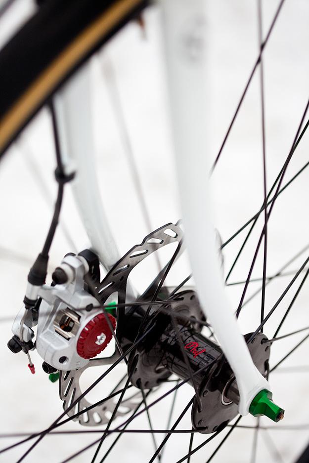 Royal H Cycles White Cross Bike