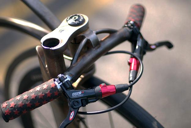 Monkey Likes Shiny Gravity Bike