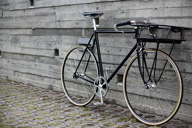 Urban Cycles Black Porteur