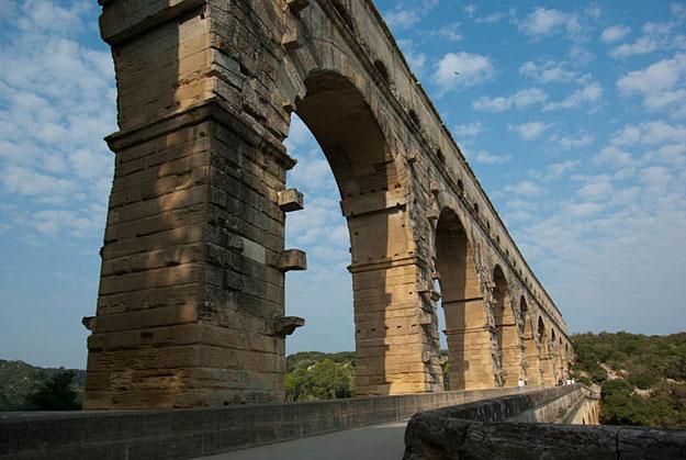 Ride and Seek Pont du Gard