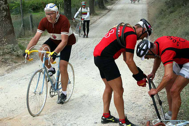 Peloton Cycling Tours: L'Eroica