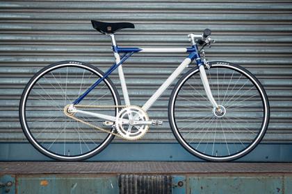 Airtight Cycles Möbius Street