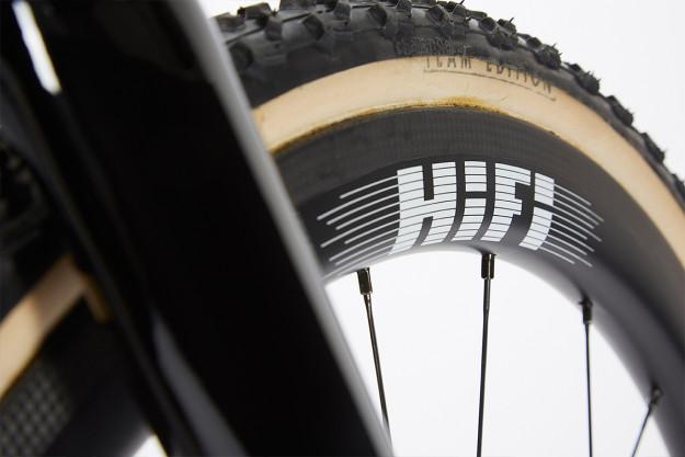 West Coast 'Crosser: Breadwinner Cycles Holeshot