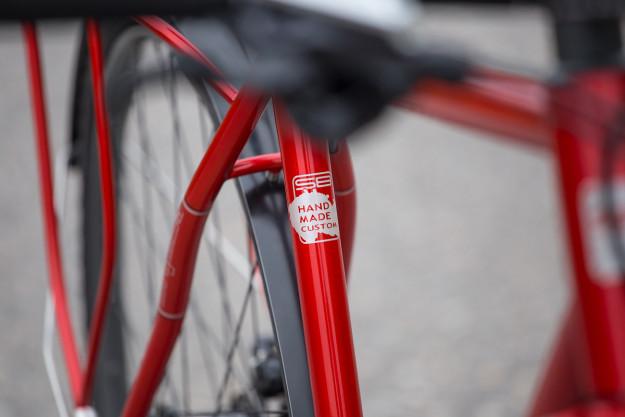 Czech Both Ways: SingleBe Red Commuter