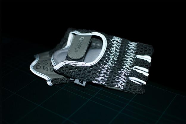 VEEKA Cycling RFLTV Gloves: Night Rider