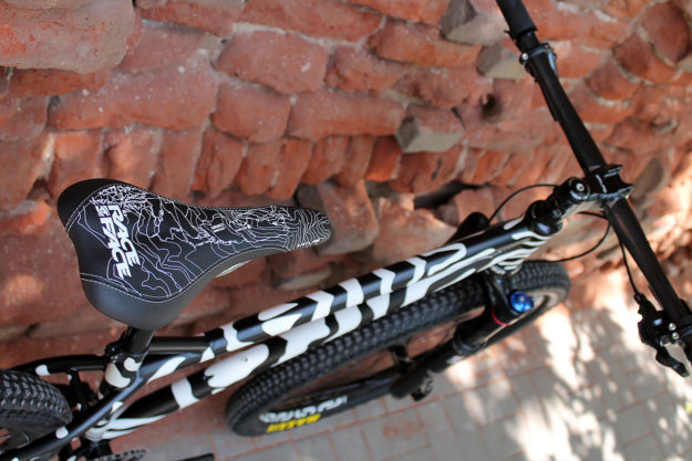A Bear In A Zebra's Clothing: TORESVELO 27.5 MTB