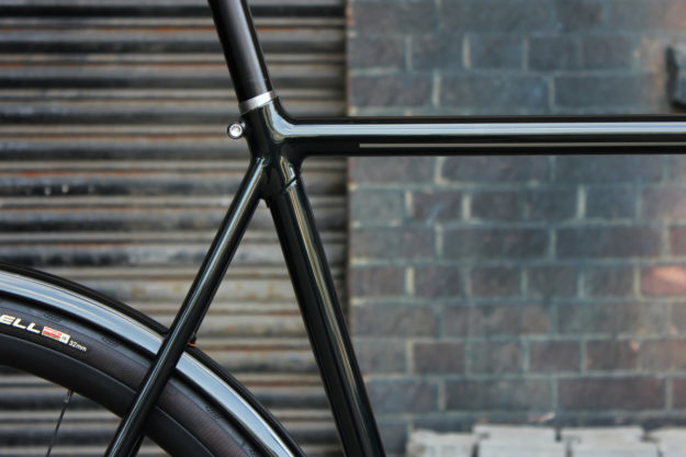 Midnight Green Machine: Donhou Bicycles Modern Porteur