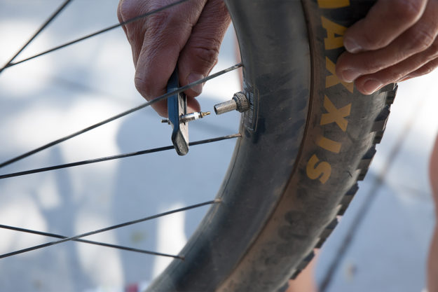 One Tool To Refuel: Snēk Cycling Lifeboat Tire Lever