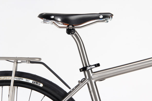 Taking A Stand: Firefly Bicycles FF812 Super Commuter